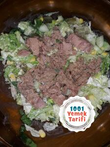 Ton Balıklı Salata Tarifi-nasıl yapılır-kaç kalori