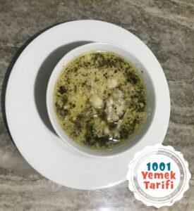köfteli tarhana çorbası tarifi nasıl yapılır kolay-yapımı puf noktası-kac kalori-1001yemektararifi