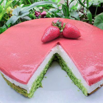 cilekli-ispanakli-cheesecake-tarifi-pasta-yapimi