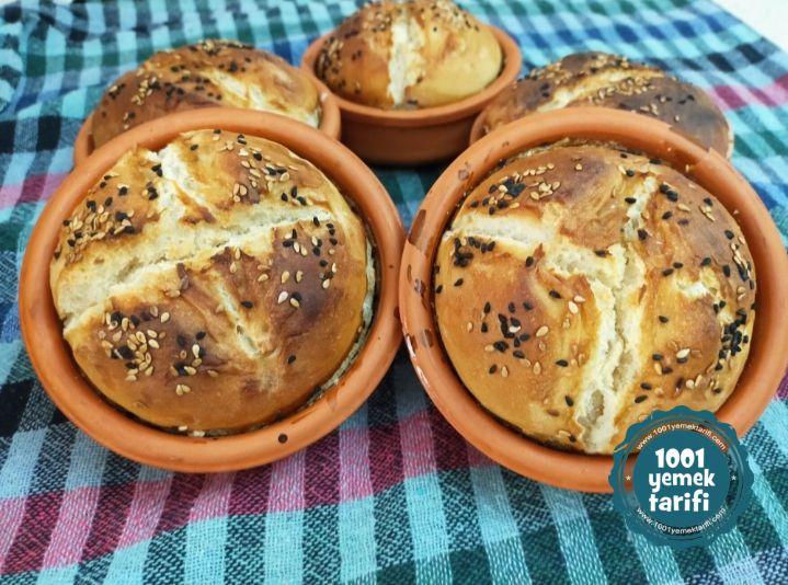 Evde Ekmek Tarifi: Güveçte Ekmek Yapımı