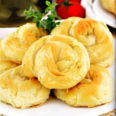 Peynirli-Borek-Tarifi-El-Acmasi-Balkan-Boregi-Nasil-Yapilir-kolay-ev-yapimi-kac-kalori-nefis-1001yemektarifi