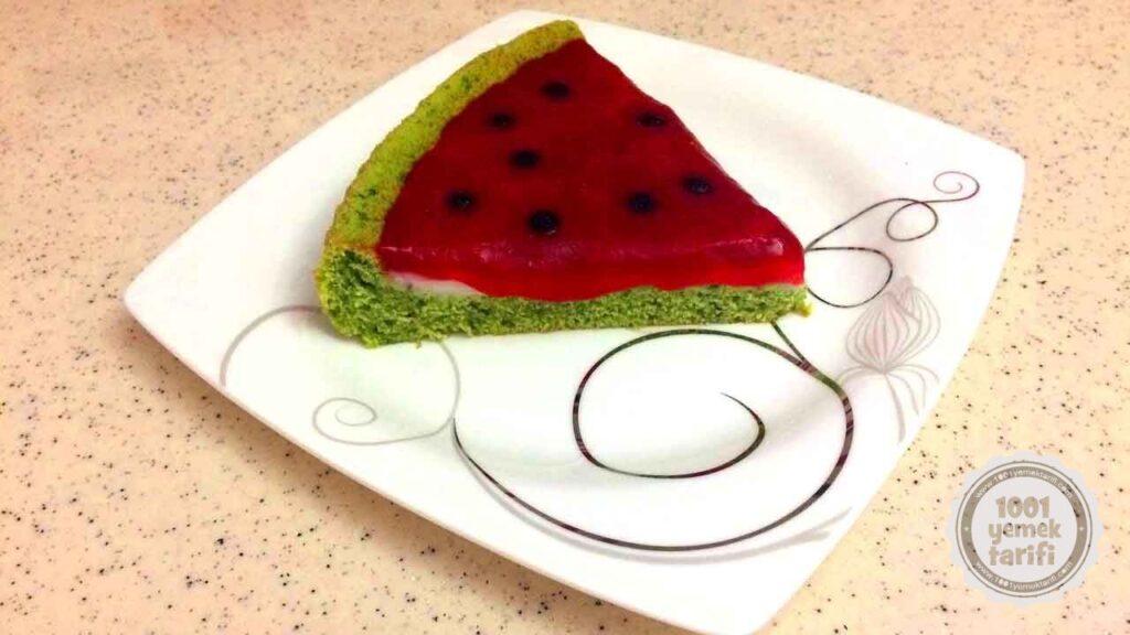 kolay kek tarifi-karpuz-gorunumlu-kek-tarifi