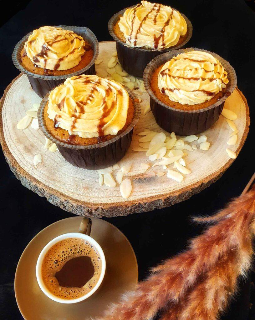 muffin-tarifi-karamelli-muffin-yapimi-nasil-yapilir-kac-kalori-nefis-1001yemektarifi-kolay-puf-noktasi