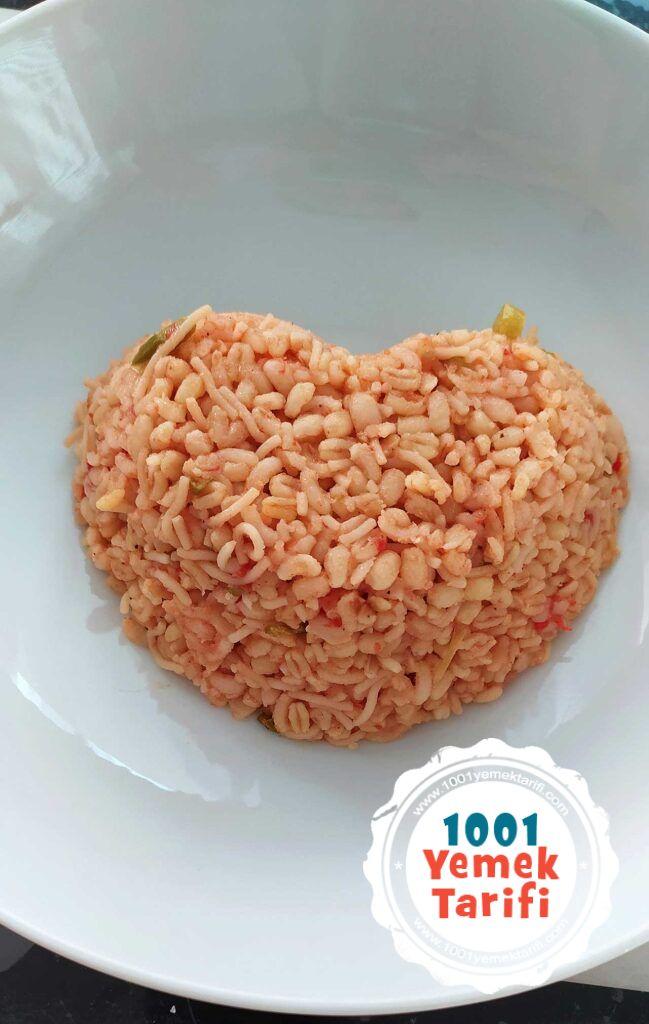 sehriyeli-Sebzeli-Bulgur-Pilavi-tarifi-nasil-yapilir-kac-kalori-kolay-yapimi-1001yemektarifi